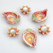 Flower and Kalka Shaped Diyas Gifts toIndia, Diya Set to India same day delivery