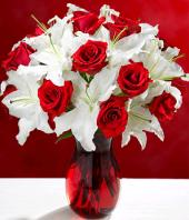 Pure Sophistication Gifts toHBR Layout, flowers to HBR Layout same day delivery